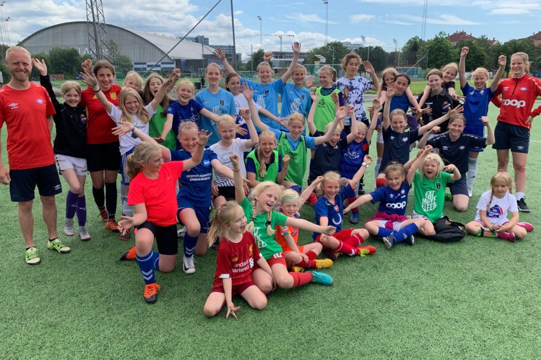 Rekordantall jenter på fotballskolen